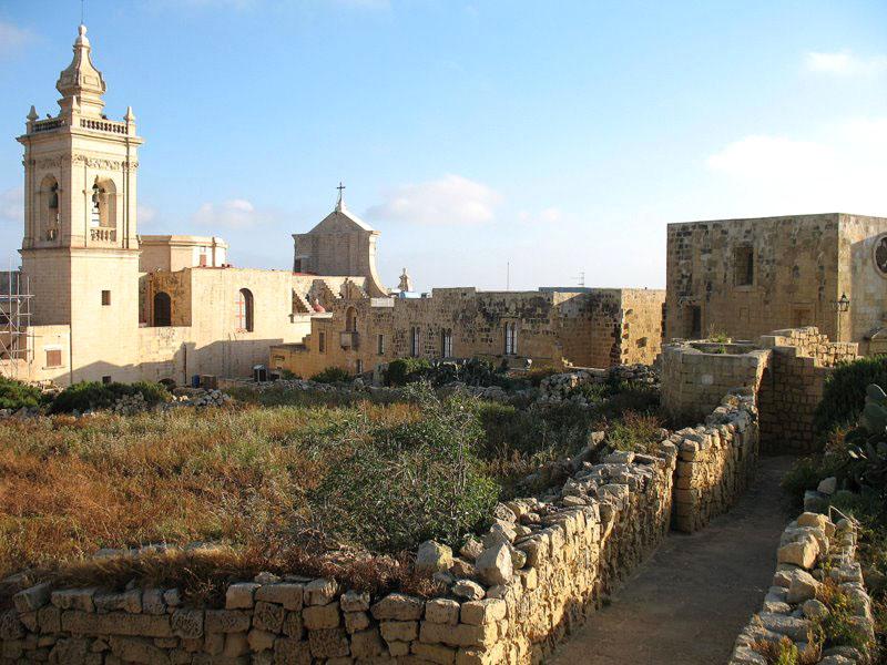 Внутри цитадели города Виктория / Фото с Мальты