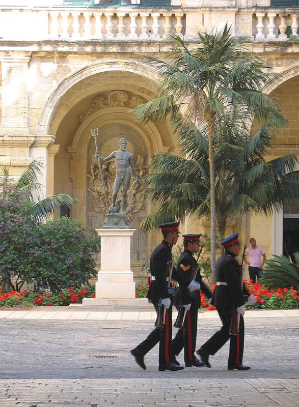 Мальтийский караул устал. И совсем ушел / Фото с Мальты