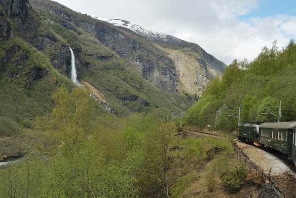 Вид из окна вагона Фломской железной дороги / Фото из Норвегии