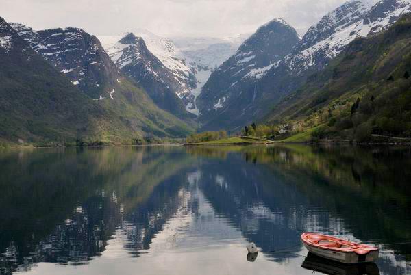 Ледниковое озеро в Норвегии / Фото из Норвегии