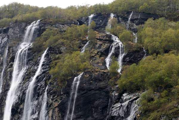 Водопады в Норвегии / Фото из Норвегии