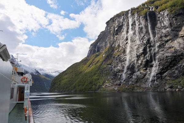 Ейрангер-фьорд в Норвегии / Фото из Норвегии