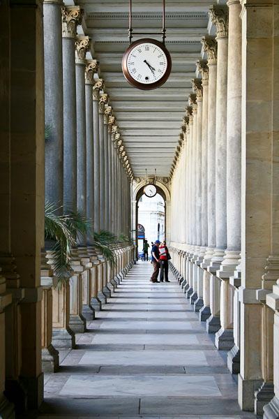 В Мельничной колоннаде в Карловых Варах / Фото из Чехии