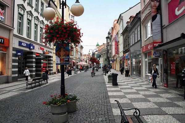 Пешеходная улица в городе Теплице / Фото из Чехии