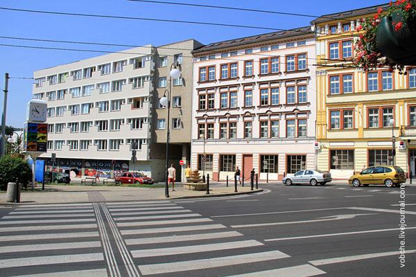 Разметка дороги в городе Теплице / Фото из Чехии