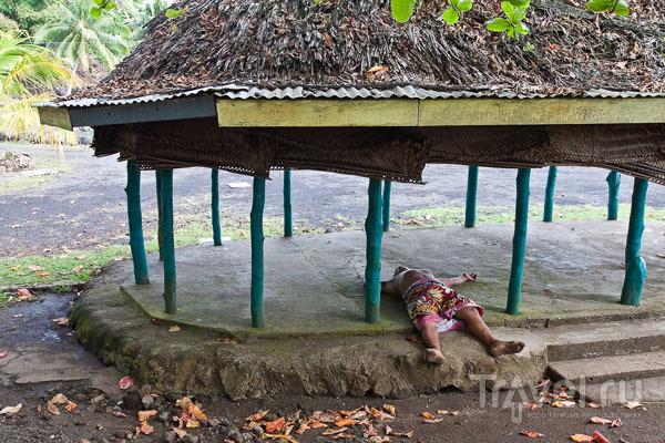 Житель Самоа на отдыхе / Фото с Западного Самоа