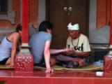 гадание по руке / Индонезия