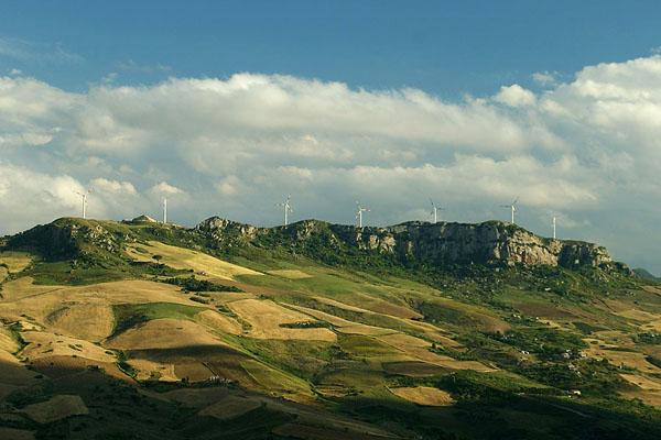 """Ветряные """"электромельницы"""" в Каккамо / Фото из Италии"""