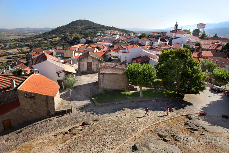 Вид на Бельмонти из замка / Фото из Португалии