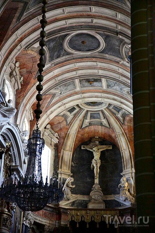Над алтарем в кафедральном соборе, Эвора / Фото из Португалии