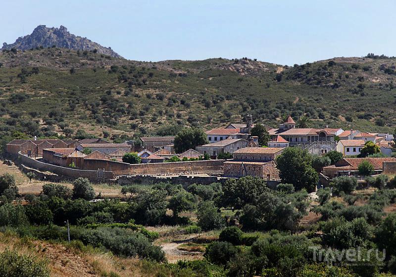 Иданья-а-Велья лежит в долине / Фото из Португалии
