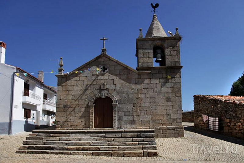 Старинная церковь в Иданья-а-Велья / Фото из Португалии