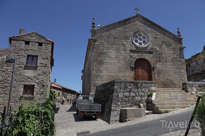 Церковь в Монсанту / Фото из Португалии