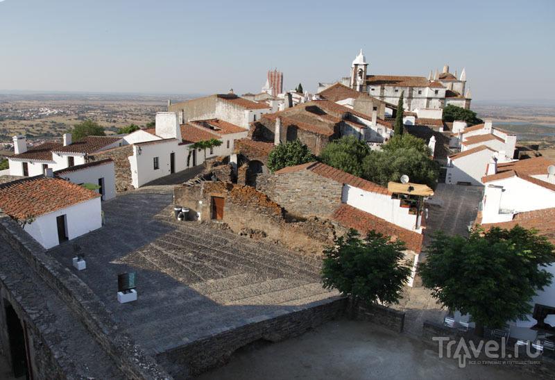 Вид на Монсараш с цитадели / Фото из Португалии