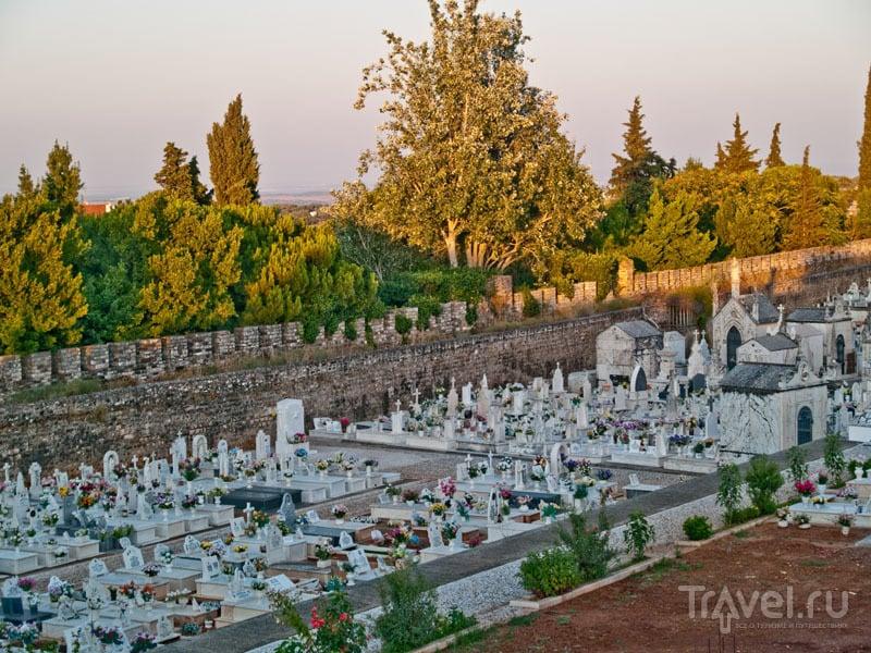 Кладбище в цитадели, Вила-Висоза / Фото из Португалии