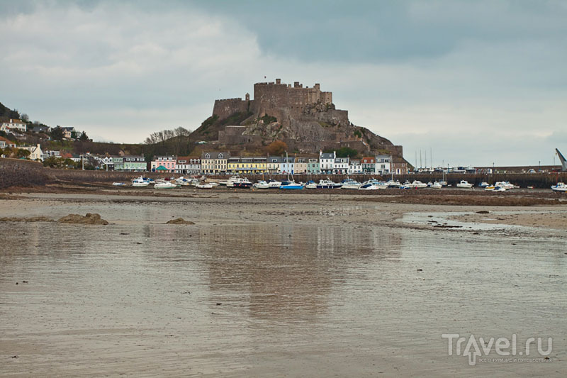 Замок Mont Orgueil на острове Джерси / Фото из Великобритании