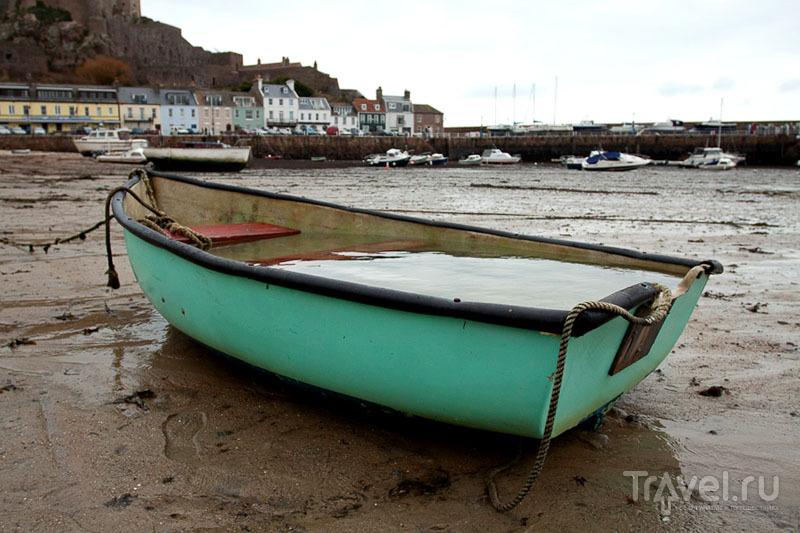 Лодка на острове Джерси / Фото из Великобритании