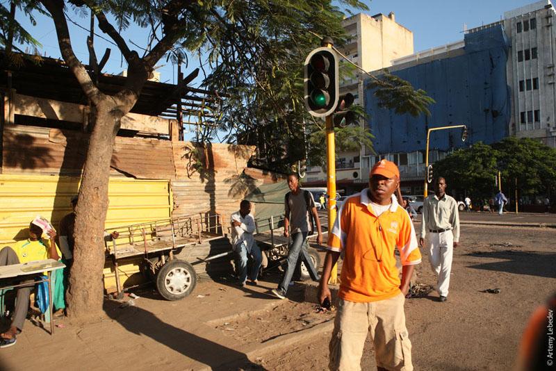 Торговля с лотков в Мозамбике / Фото из Мозамбика