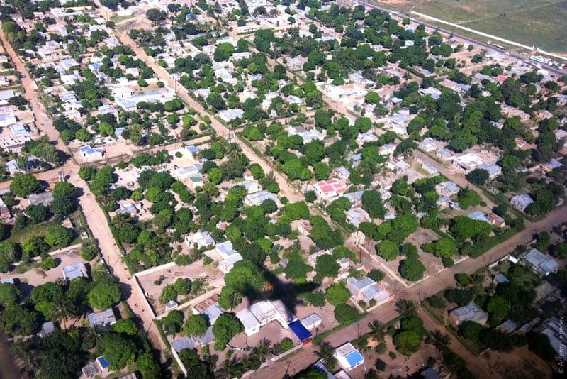 Вид на столицу Мозамбика Мапуту из самолета / Фото из Мозамбика