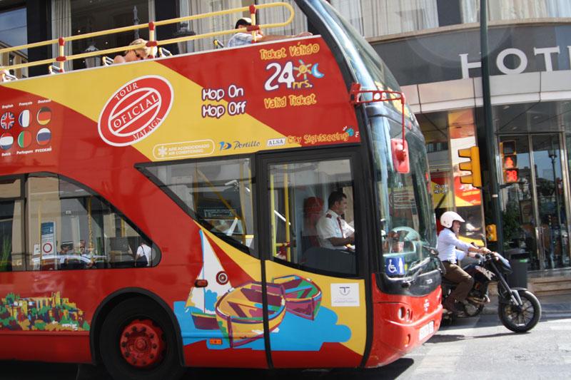 Туристический автобус в Малаге, Испания / Фото из Испании