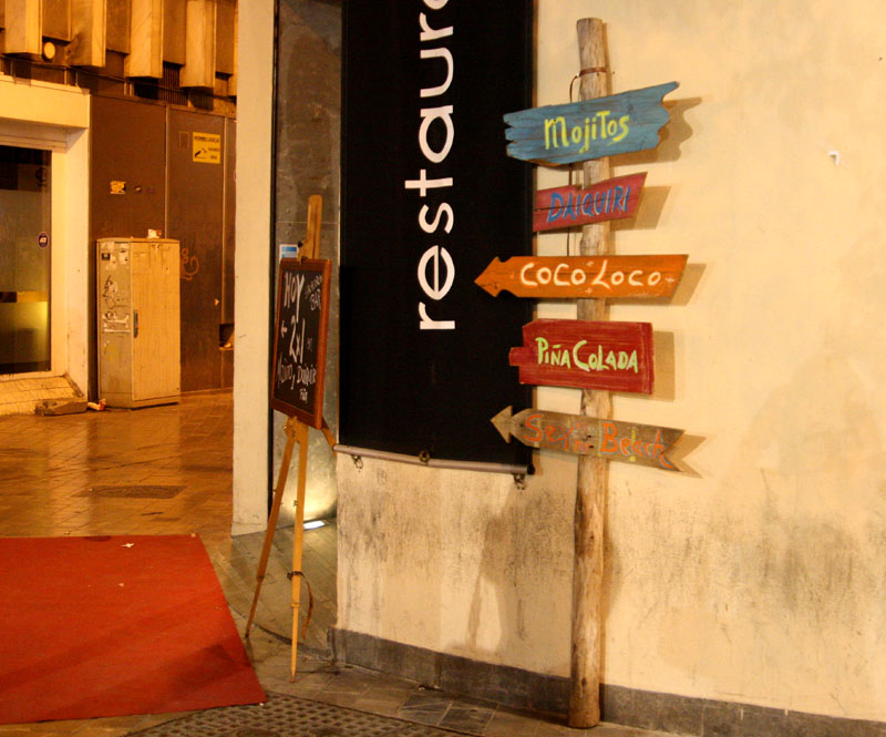 Указатель на улице Малаги, Испания / Фото из Испании