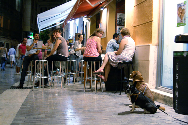 У ресторана в Малаге, Испания / Фото из Испании