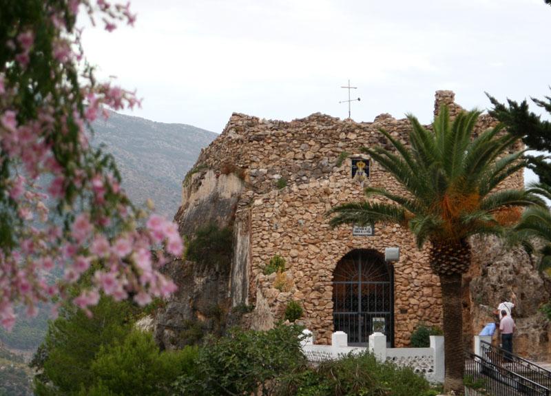 Церковь-грот в Михасе, Испания / Фото из Испании