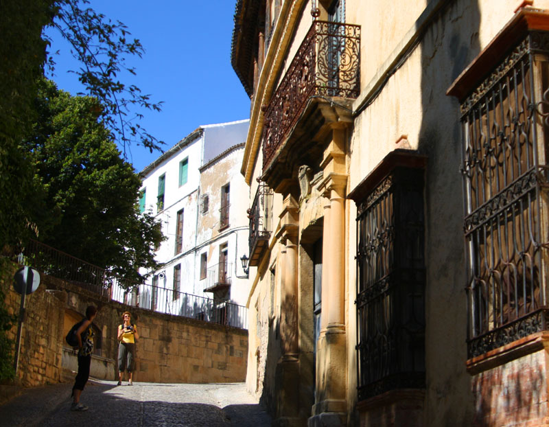 На улице Ронды, Испания / Фото из Испании