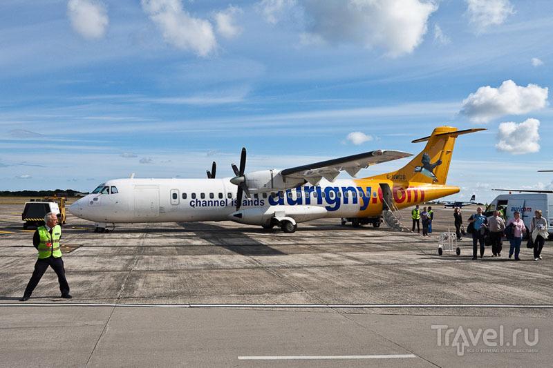 Самолет в аэропорту острова Гернси / Фото из Великобритании