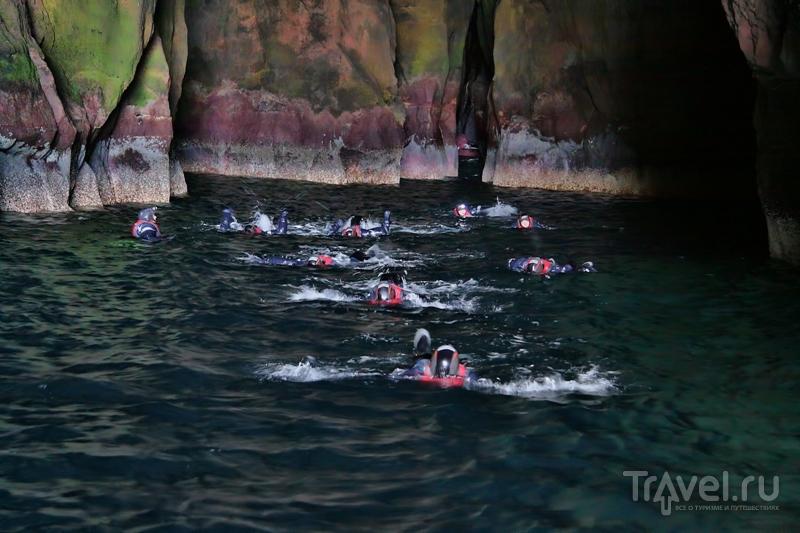 Заплыв в цветной пещере / Фото с Фарерских островов