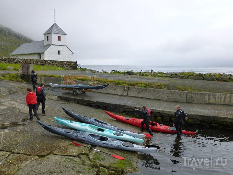 Каяки на берегу / Фото с Фарерских островов
