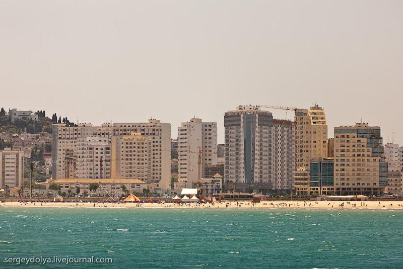 Пляж в Танжере / Фото из Марокко