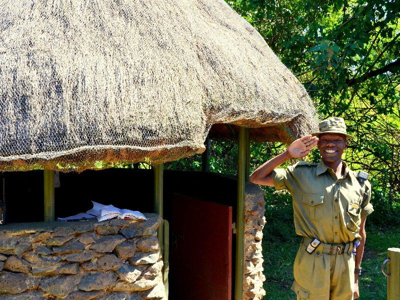 Представитель кемпинга Governors' Camp Сэм / Фото из Кении