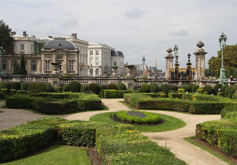 Парк при королевском дворце в Брюсселе / Фото из Бельгии
