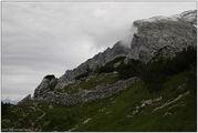 Невысокий каменный забор / Германия
