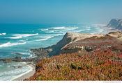 Вид с обрыва / Португалия