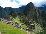 У подножья Мачу Пикчу / Перу