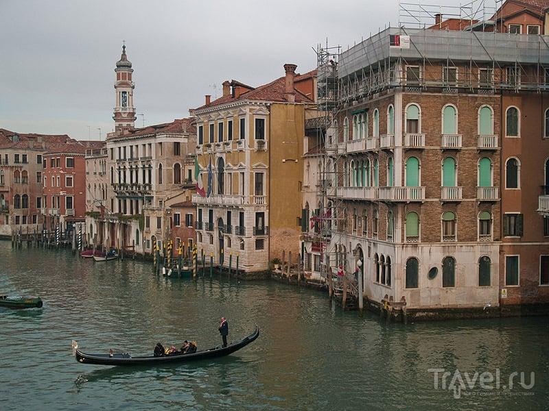 Туристы в гондоле на Гранд-Канале / Фото из Италии