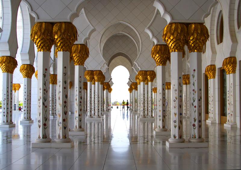 В мечети шейха Зайеда, Абу-Даби / Фото из ОАЭ