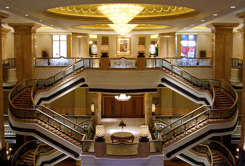 Интерьер отеля Emirates Palace / Фото из ОАЭ