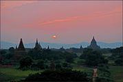 Закат над Баганом / Мьянма