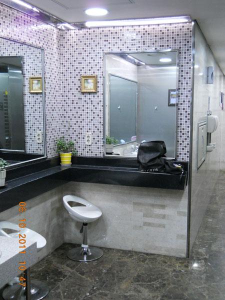 Туалет в метро, Сеул / Фото из Южной Кореи
