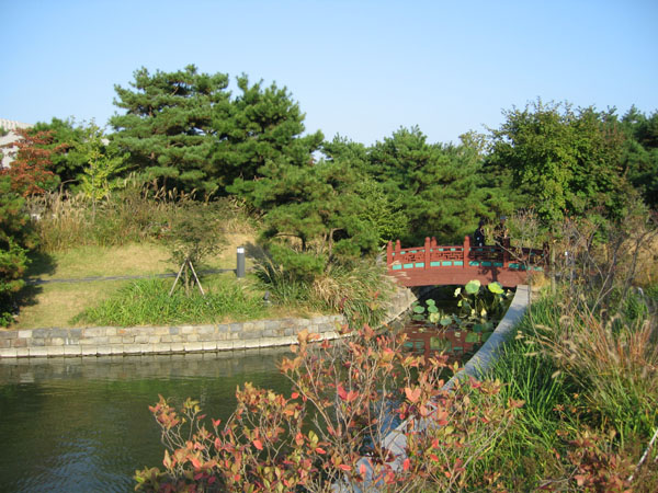 Парк Национального музея в Сеуле / Фото из Южной Кореи