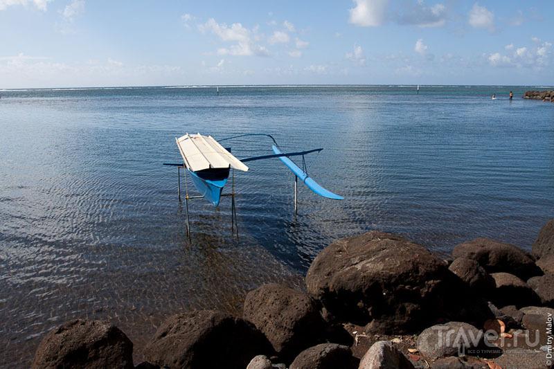 Лодка на Таити / Фото из Французской Полинезии