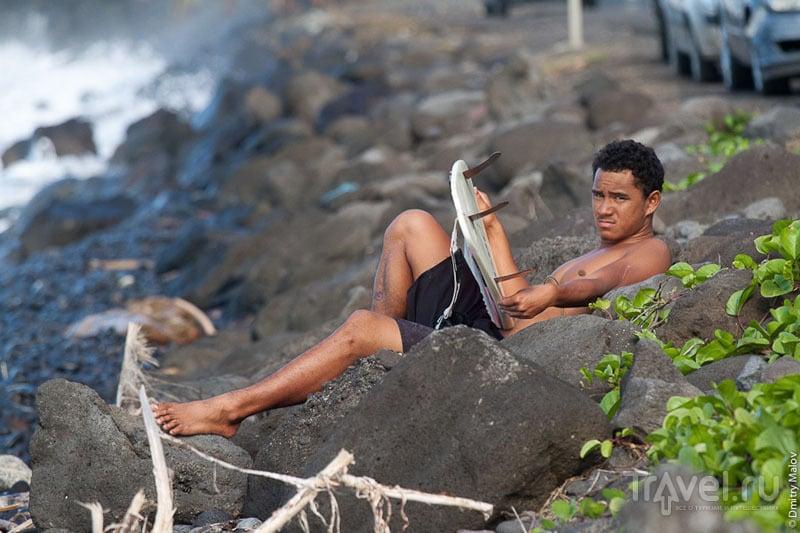 Серфер с Таити / Фото из Французской Полинезии