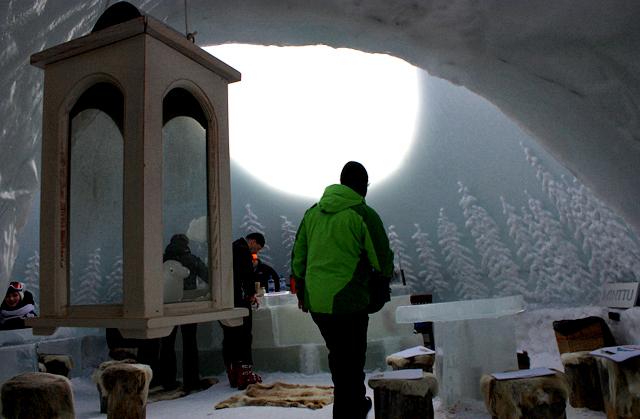 Ледяной бар Snowpeak на горнолыжном курорте Рука, Финляндия / Фото из Финляндии