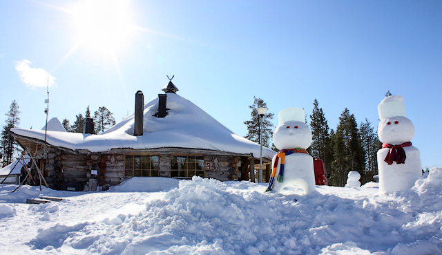 Снеговики на горнолыжном курорте в Финляндии / Фото из Финляндии