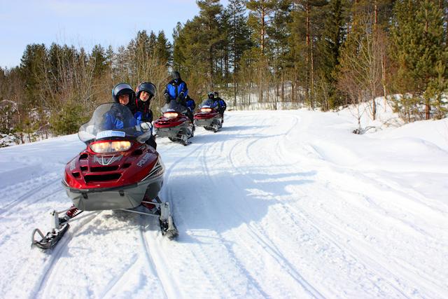 Сафари на снегоходах в Финляндии / Фото из Финляндии