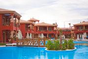 Множество бассейнов / Египет
