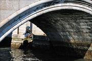 Под мостом / Италия